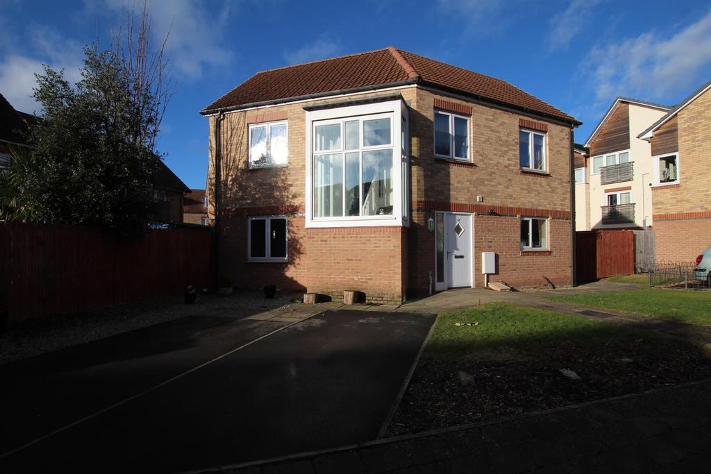 4 Bedrooms Detached House for sale in Hawkshead Place, Newton Aycliffe