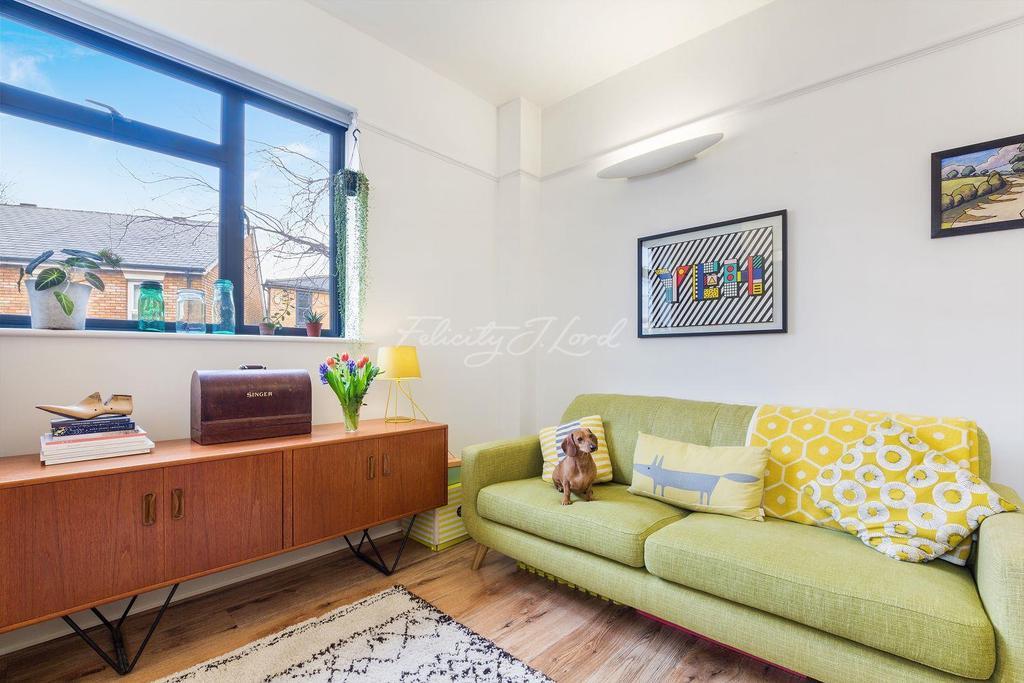 1 Bedroom Flat for sale in Chester Studios, Hackney, E8