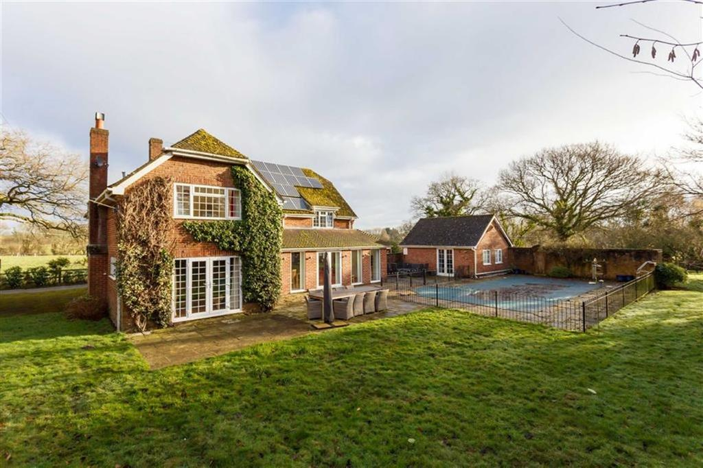 4 Bedrooms Detached House for sale in Bakers Lane, Wimborne, Dorset