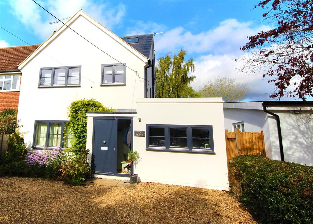 4 Bedrooms Semi Detached House for sale in Broadmoor Road, Waltham St. Lawrence, Reading