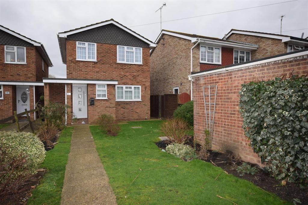 4 Bedrooms Detached House for rent in By the Lake Canvey Island