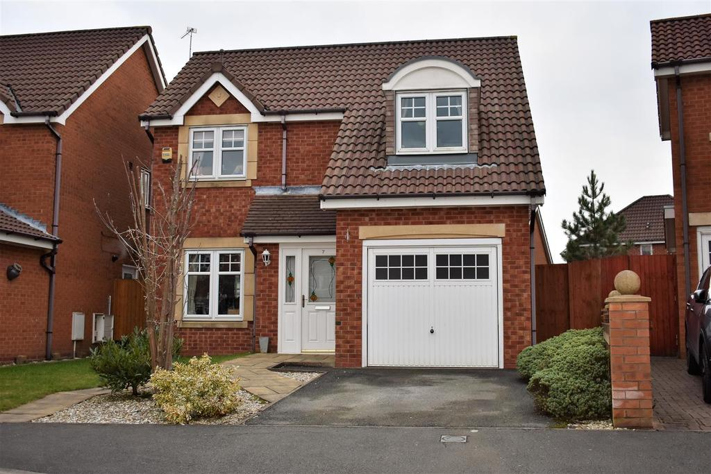 3 Bedrooms Detached House for sale in Yarn Close, St. Helens