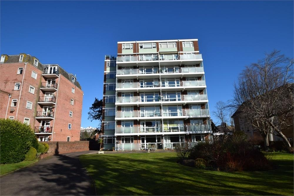 3 Bedrooms Flat for sale in The Goffs, Upperton, East Sussex