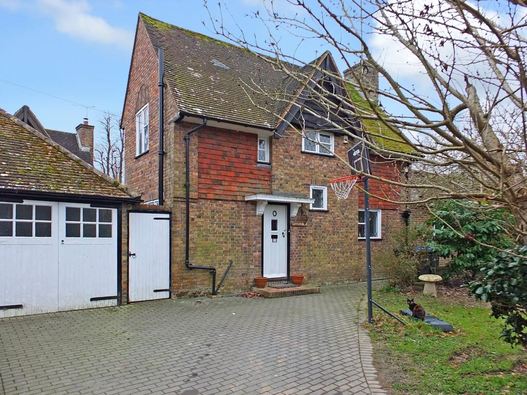 4 Bedrooms House for sale in Summerhill Drive, Lindfield, RH16