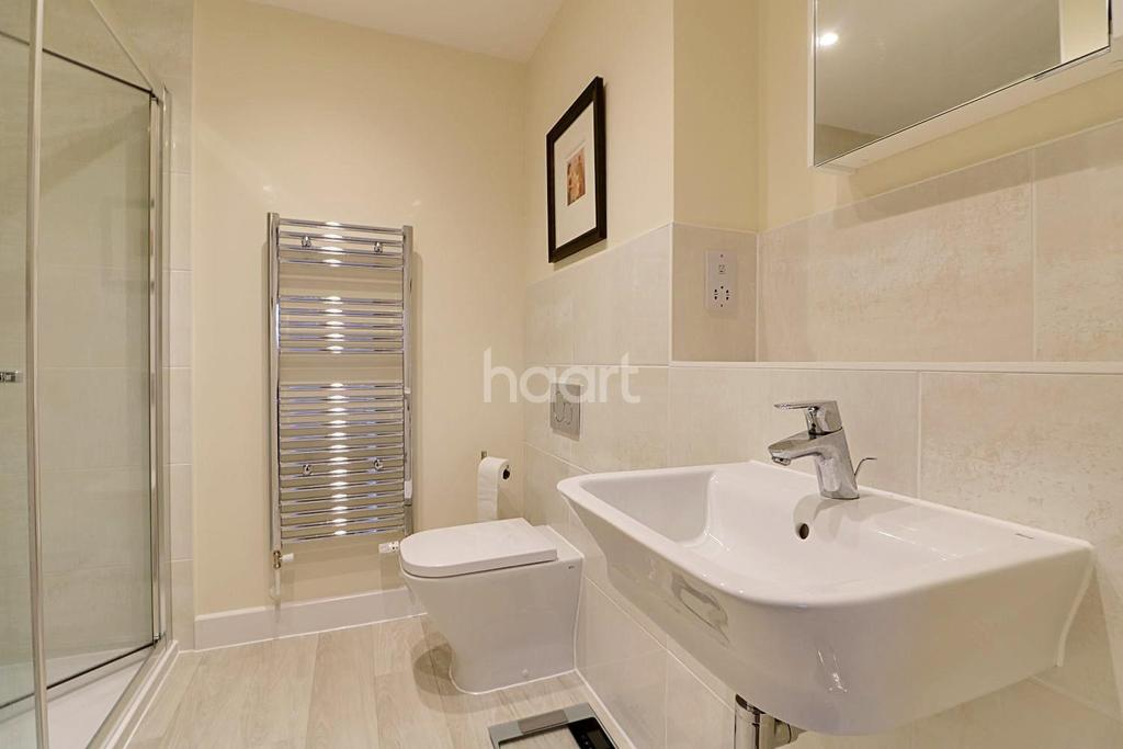 4 Bedrooms Semi Detached House for sale in Appletree Way