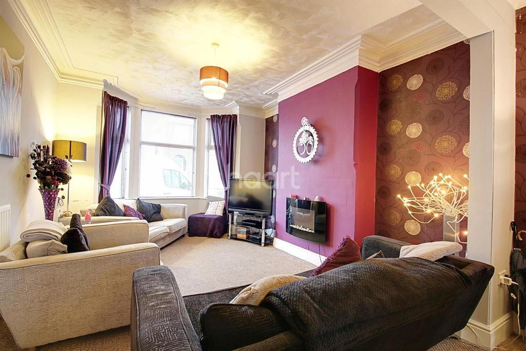 3 Bedrooms Terraced House for sale in Montague Road, Hucknall