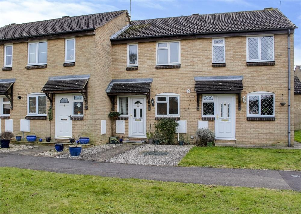 2 Bedrooms Terraced House for sale in Wargrove Drive, College Town, Sandhurst, Berkshire