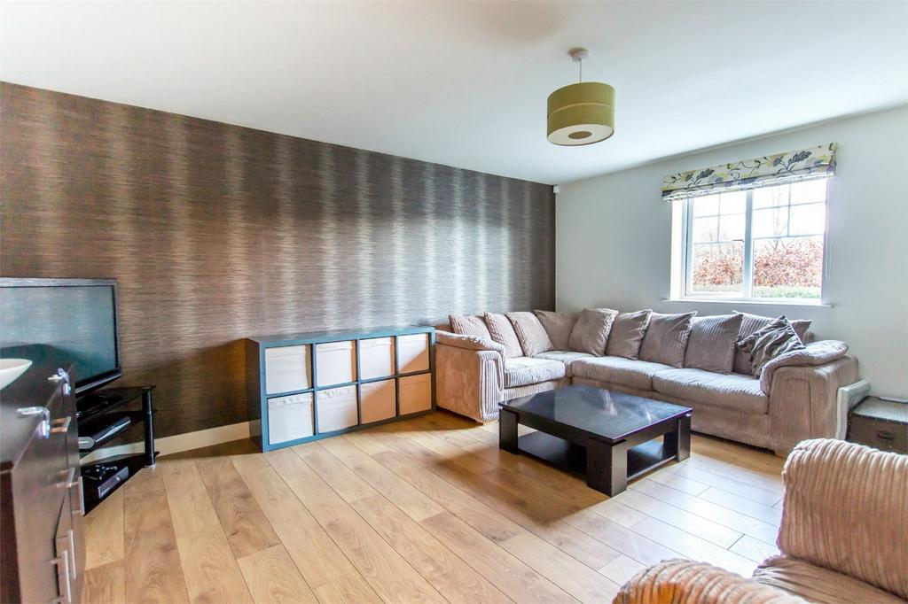 2 Bedrooms Flat for sale in Smeed House, Birch Close, Huntington, York