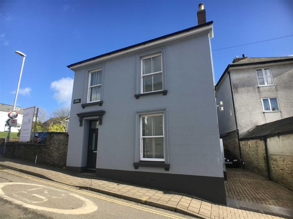 4 Bedrooms Detached House for sale in Fore Street, Central Kingsbridge, Kingsbridge, Devon, TQ7