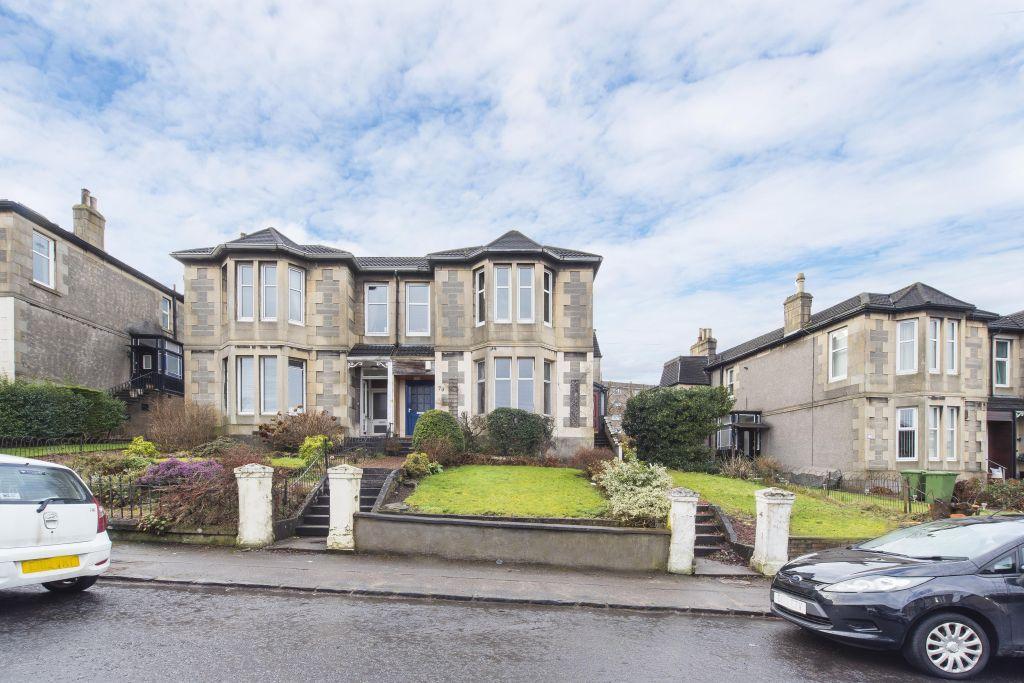 2 Bedrooms Flat for sale in 74 Rosslyn Avenue, Rutherglen, Glasgow, G73 3EY