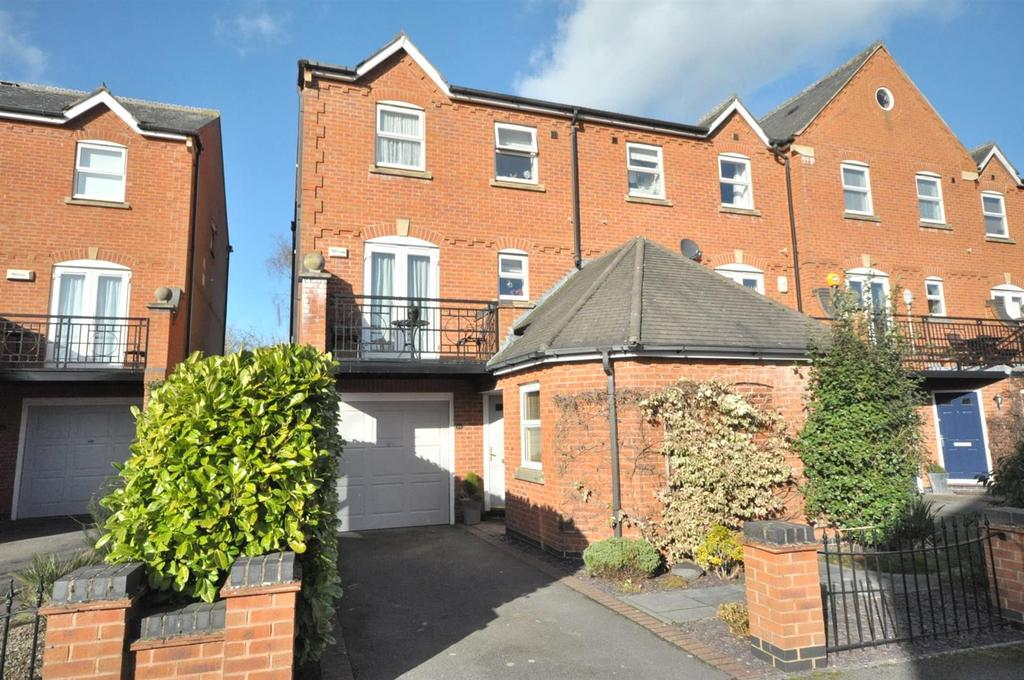 3 Bedrooms Town House for sale in Shaftesbury Avenue, Radcliffe On Trent, Nottinghamshire