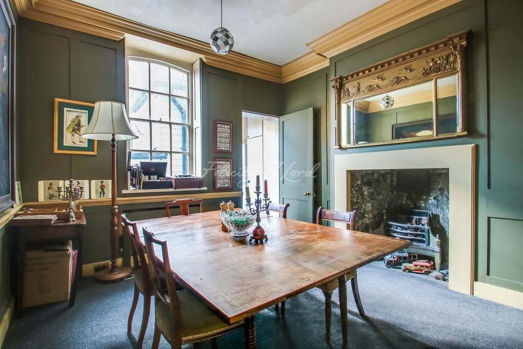 4 Bedrooms Terraced House for sale in Folgate Street, E1