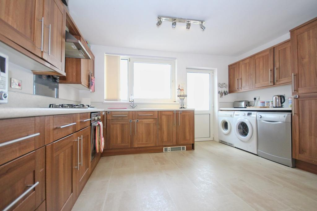 2 Bedrooms End Of Terrace House for sale in Hotham Road South, Hull, HU5