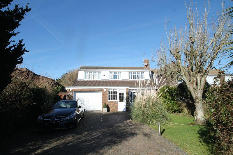 3 Bedrooms Detached House for sale in Densole, FOLKESTONE