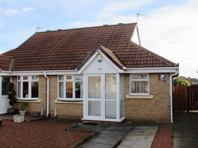 2 Bedrooms Semi Detached Bungalow for sale in Amberley Close, Wallsend - Two Bedroom Semi Detached Bungalow
