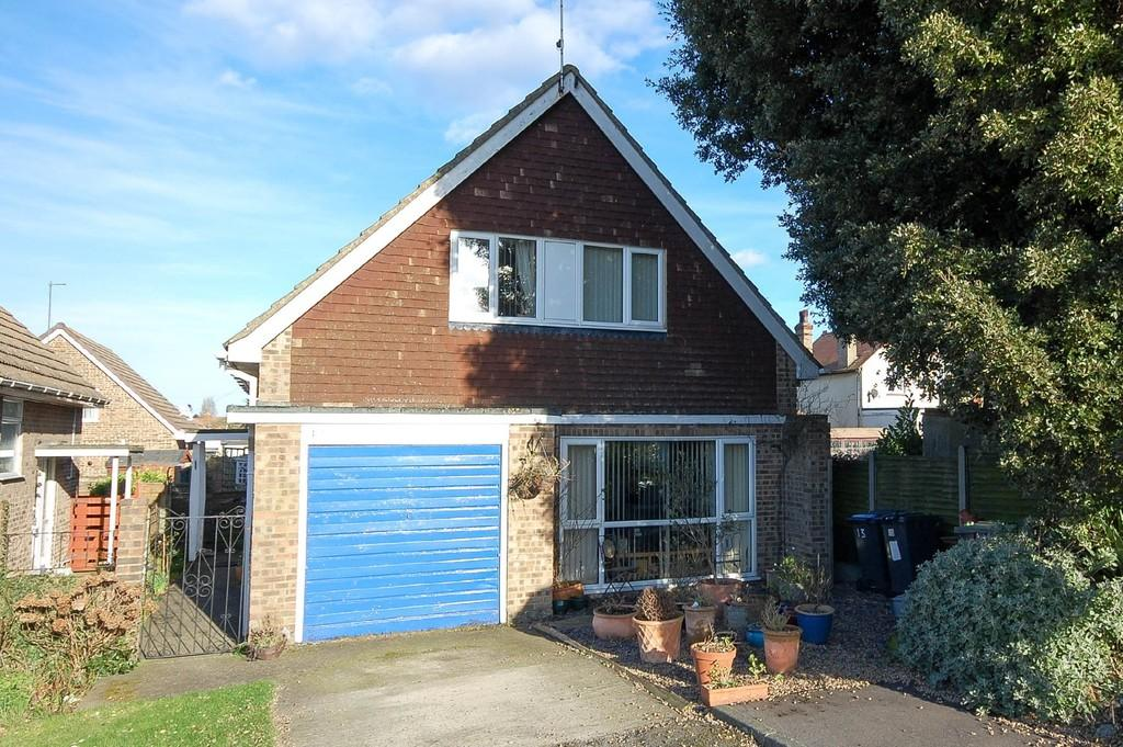 3 Bedrooms Chalet House for sale in The Paddocks, Herne Bay