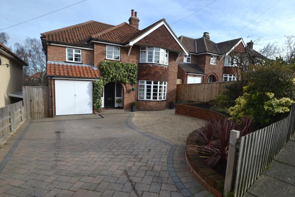 4 Bedrooms Detached House for sale in Cheltenham Avenue Ipswich