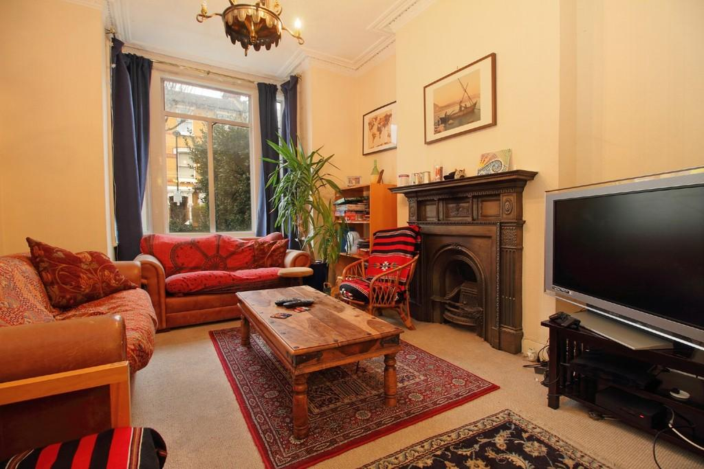 4 Bedrooms Terraced House for rent in Romilly Road, N4 2QX