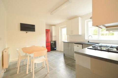 3 bedroom terraced house to rent - Burbage Close, London SE1
