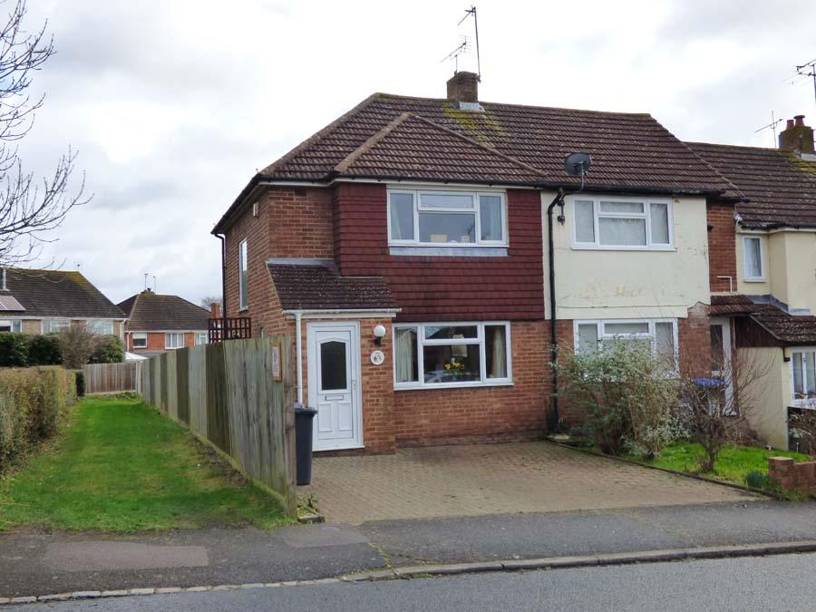 2 Bedrooms House for sale in Orchard Road, Burgess Hill, RH15