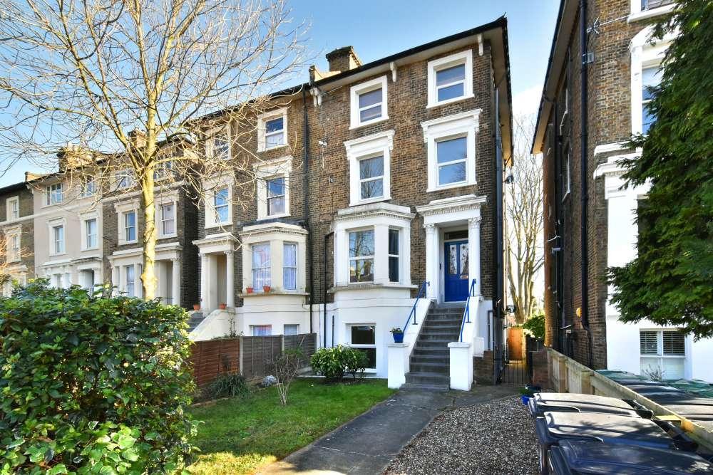 2 Bedrooms Flat for sale in Devonshire Road