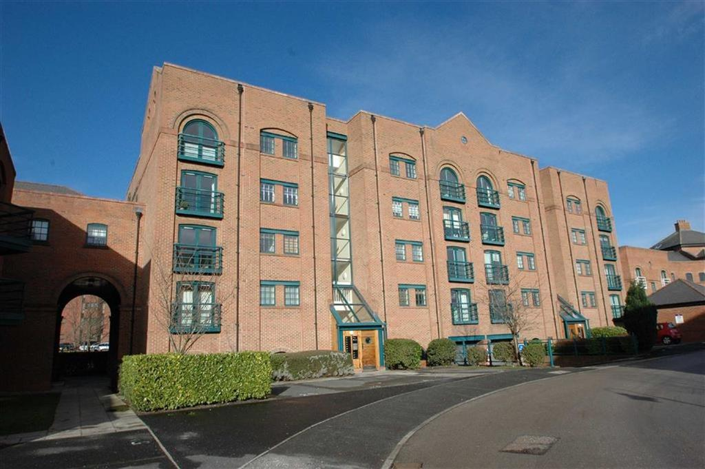2 Bedrooms Apartment Flat for sale in Wharton Court, Hoole Lane, Chester