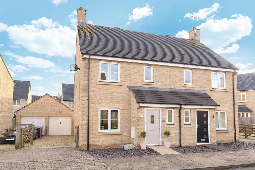 3 Bedrooms Semi Detached House for sale in Oakdale Road, Witney