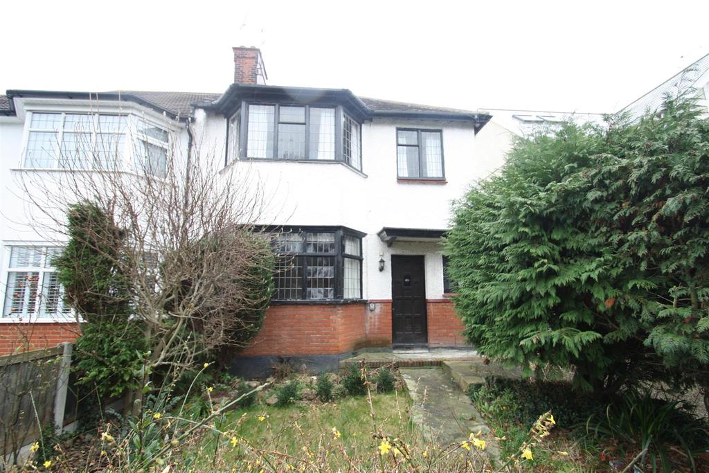 3 Bedrooms Semi Detached House for sale in Eastwood Road, Leigh-On-Sea