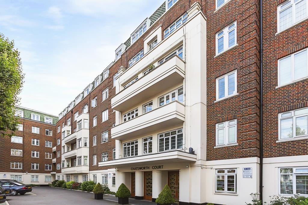 2 Bedrooms Ground Flat for sale in CHATSWORTH COURT - Pembroke Road - Kensington