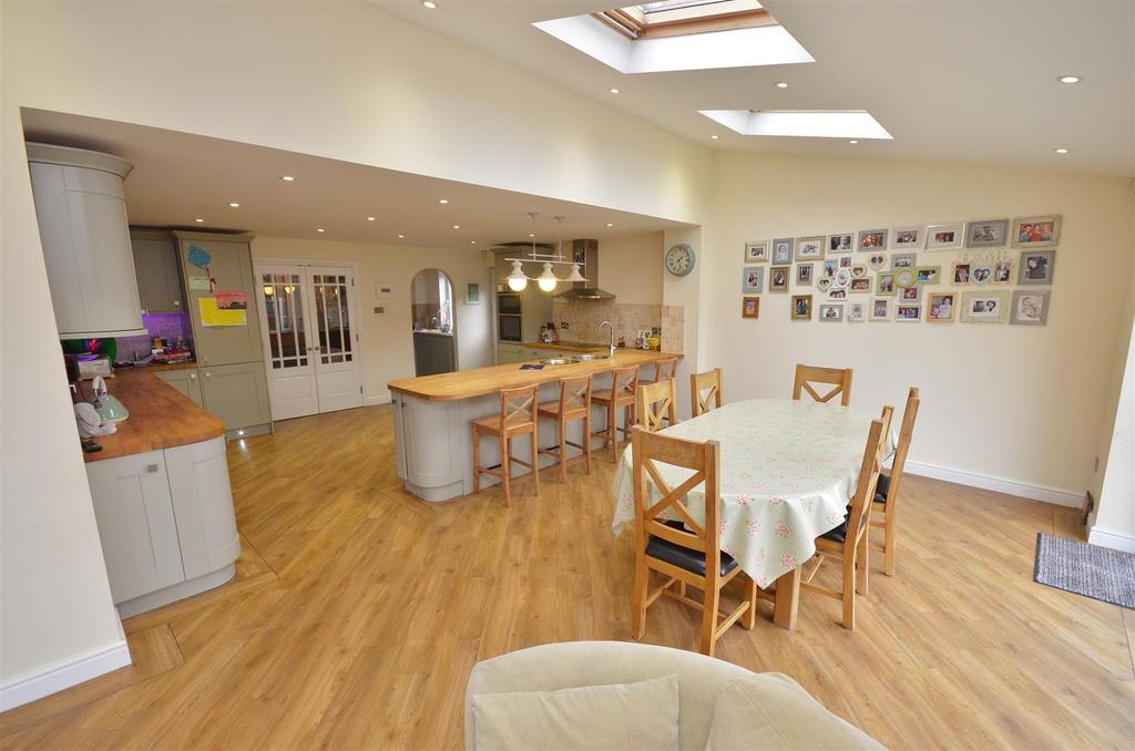 5 Bedrooms Detached House for sale in Willenhall Close, Barton Hills