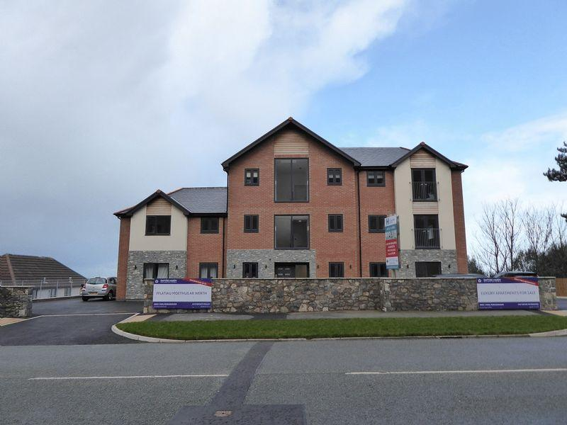 2 Bedrooms Apartment Flat for sale in Penmaenmawr