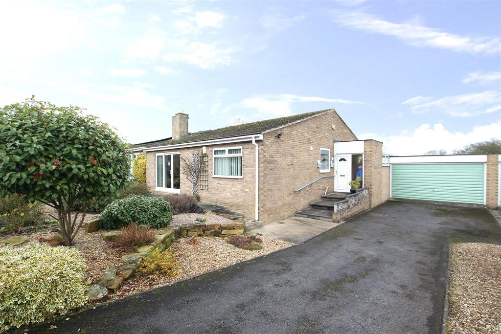 3 Bedrooms Detached Bungalow for sale in St Edwins Close, High Coniscliffe