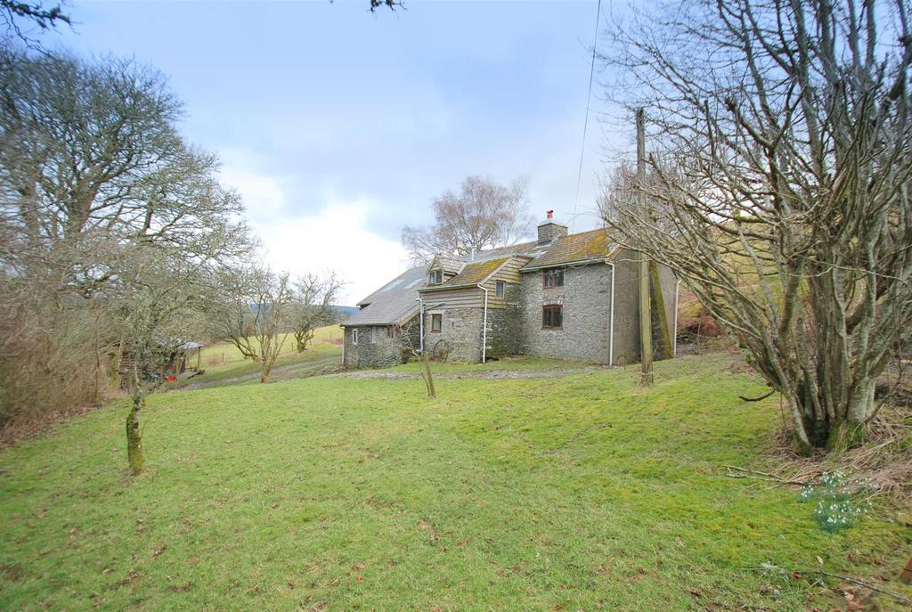 3 Bedrooms Detached House for sale in Pant-Y-Dwr, Rhayader