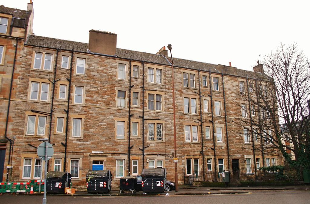 1 Bedroom Flat for sale in 13 (1F4) Lochrin Terrce, Tollcross, Edinburgh EH3 9QL
