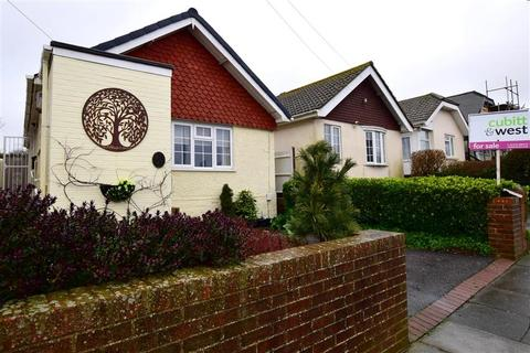 2 bedroom bungalow for sale - Downsway, Woodingdean, Brighton, East Sussex