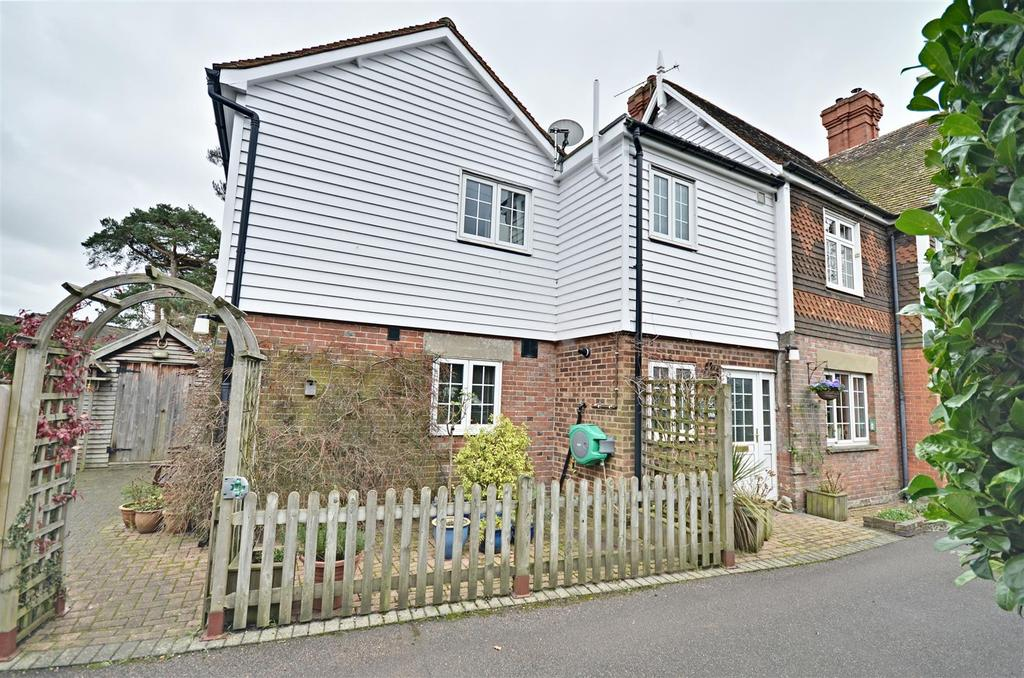 3 Bedrooms End Of Terrace House for sale in The Street, Benenden