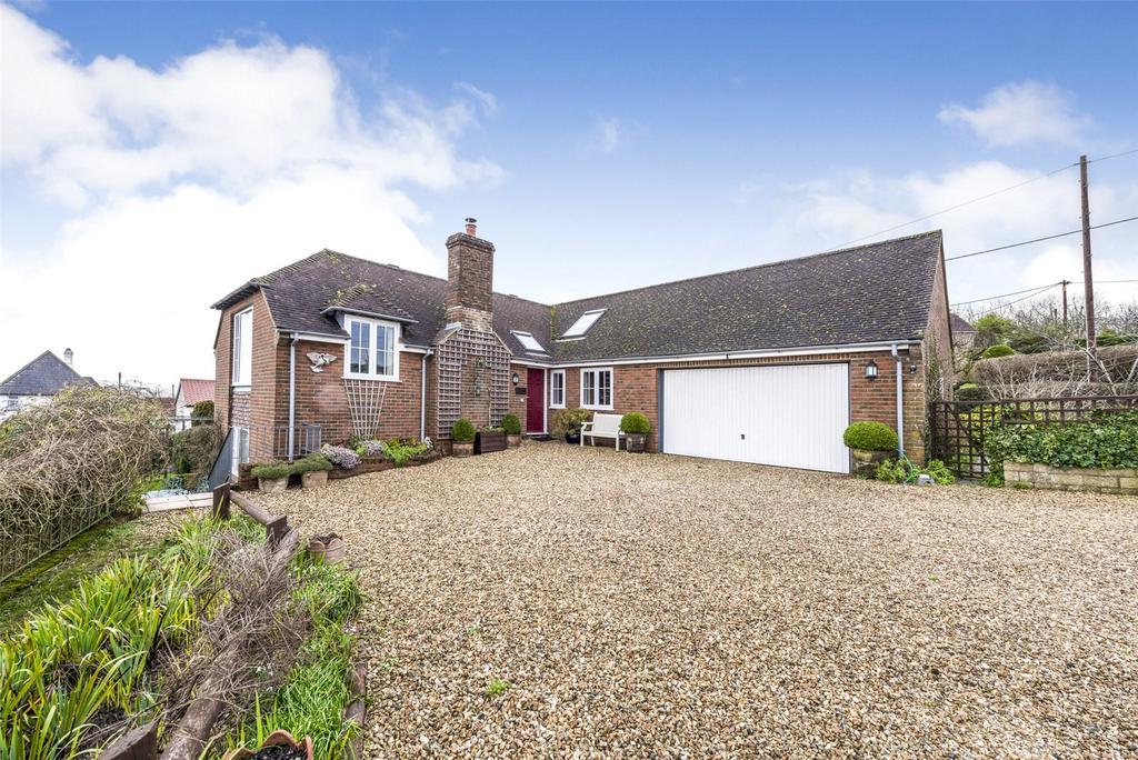2 Bedrooms Detached House for sale in Broadoak, Sturminster Newton, Dorset