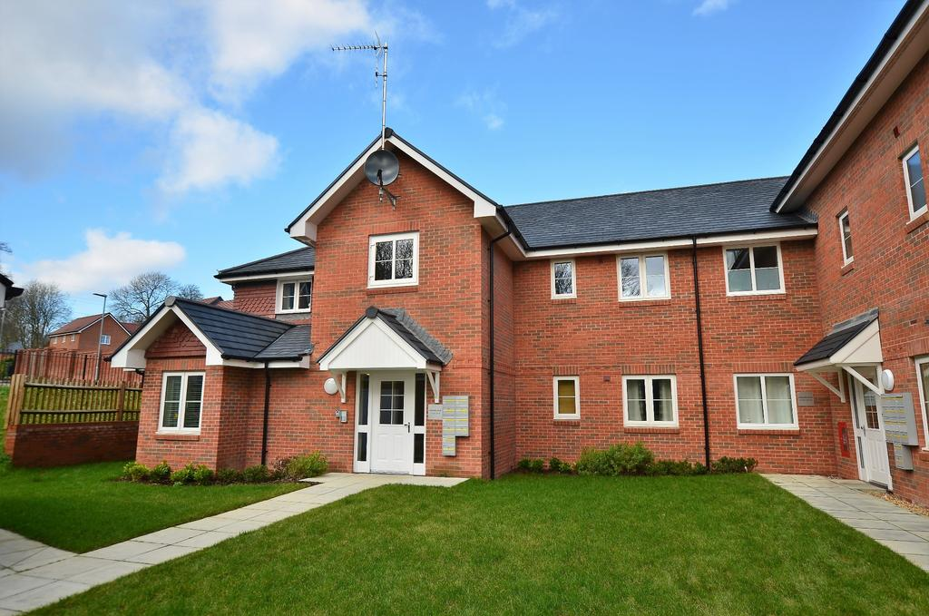 2 Bedrooms Flat for sale in Horndean