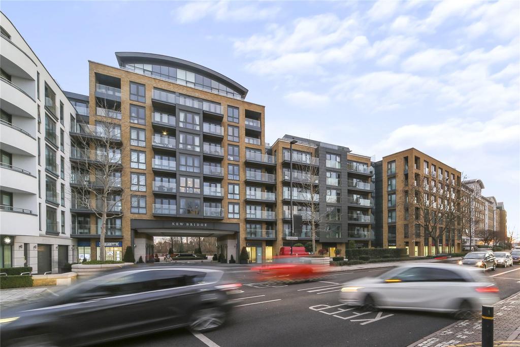2 Bedrooms Flat for sale in Quayside House, 8 Kew Bridge Road, Brentford, TW8