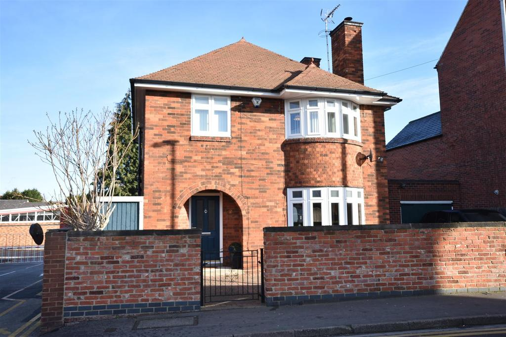 3 Bedrooms Detached House for sale in Pelham Street, Newark