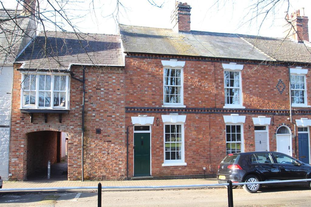 2 Bedrooms Terraced House for sale in Horsefair Green, Stony Stratford, Milton Keynes