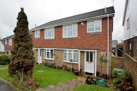 3 bedroom semi-detached house for sale - Yew Tree Rise, Calcot, Reading