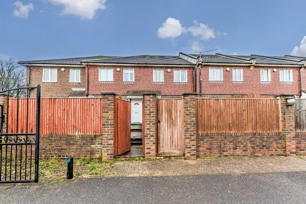 3 Bedrooms Terraced House for sale in Maytree Close Hove East Sussex BN3