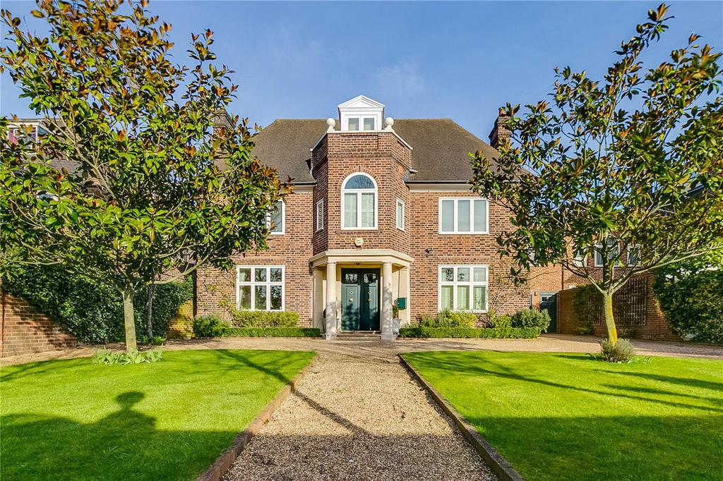 7 Bedrooms Detached House for sale in Roehampton Lane, Putney, London