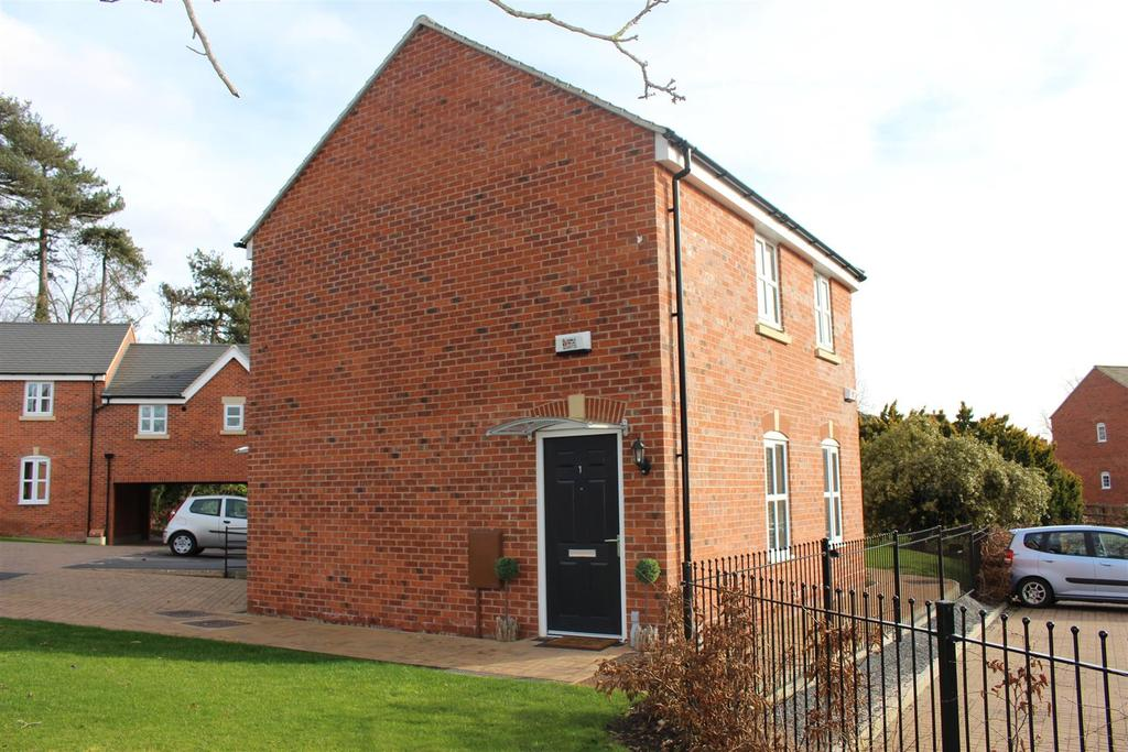 2 Bedrooms Apartment Flat for sale in Bradgate Close, Narborough, Leicester