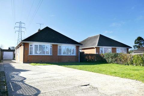 2 bedroom detached bungalow for sale - Magna Road, Bournemouth