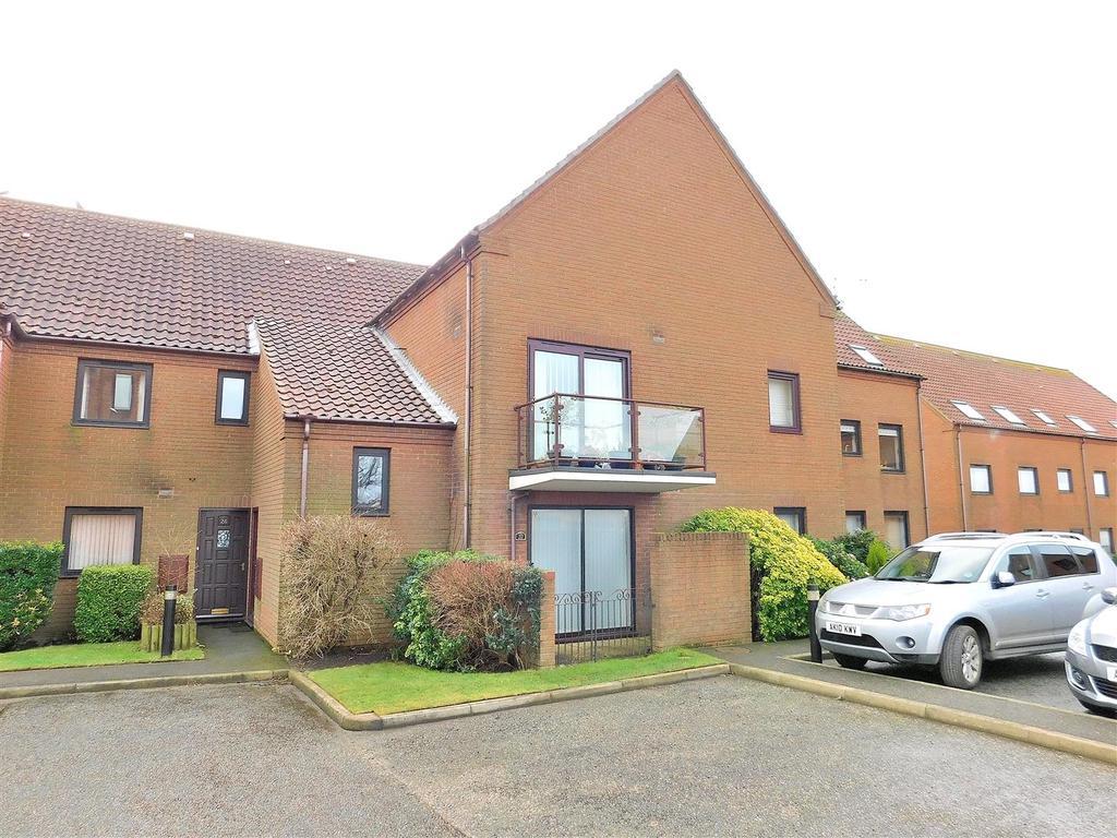 2 Bedrooms Flat for sale in Kings Lynn Road, Hunstanton