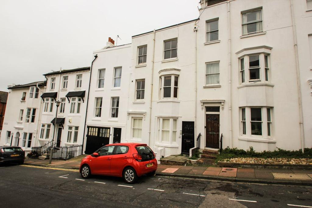 Studio Flat for rent in Clifton Place, Brighton