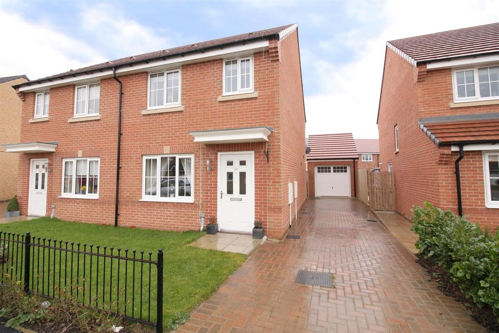 3 Bedrooms Semi Detached House for sale in Ambridge Way, Seaton Delaval