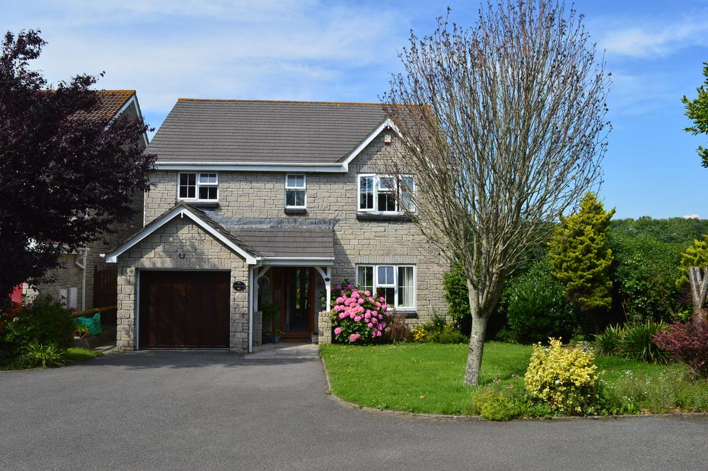 4 Bedrooms Detached House for sale in Clos y Wiwer, Llantwit Major CF61